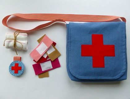 Nurse Role Play Satchel. What a cute dress up idea!