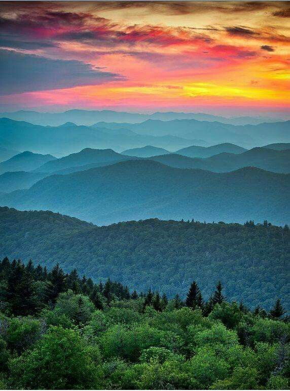 Blue Ridge parkway mtn sunset