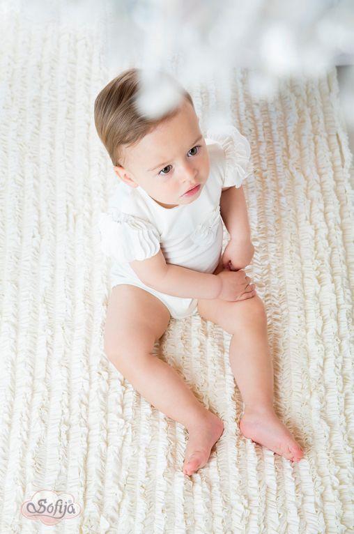 Po pierwsze elegancja, czyli bawełniane bogato zdobione body Liliana   #sofija #bawełna #antyalergiczne #ubranka #dziecko #kids #baby #kidsfashion #kinder #kindermode #ребенок #мода #enfant #mode #producer