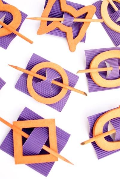 Trabas en fibrofácil para chalecos y triángulos. Modelos varios a elección.
