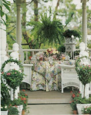 I love this porch.: Hill Cottages, Outdoor Living, Shabby Chic, Southern Porches, Afternoon Teas, Gardens Dining, Hydrangeas Hill, Boston Ferns, White Wicker