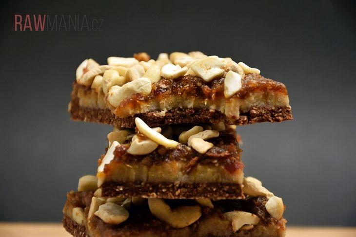 """RAW SNICKERS                                      Pro dokonalé chvilky, dokonalý dezert. Pro hříšné momenty jsou tyto """"snickersky"""" perfektní!"""