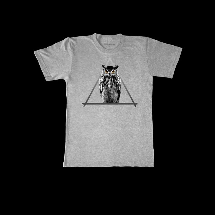 """John T-shirt - Gris / Noir:  This fine Jersey T-shirt """"John"""" is made in Downtown LA and serigraphed in Paris. The owl triangle has been designed by french photographer Pierre-Yves Toledano. Material: 100% cotton. Price: 45 €"""