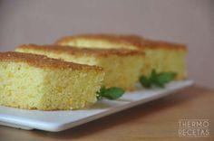 Bizcocho sin gluten, con naranja y harina de arroz. Un tentempié fácil de preparar y estupendo para quienes no pueden tomar gluten.
