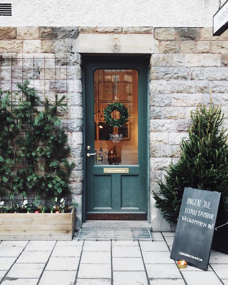 """132 gilla-markeringar, 4 kommentarer - T A M B U R (@tamburstore) på Instagram: """"Nu är det jul även utomhus ✨🌲 #tamburstore #tamburjul"""""""