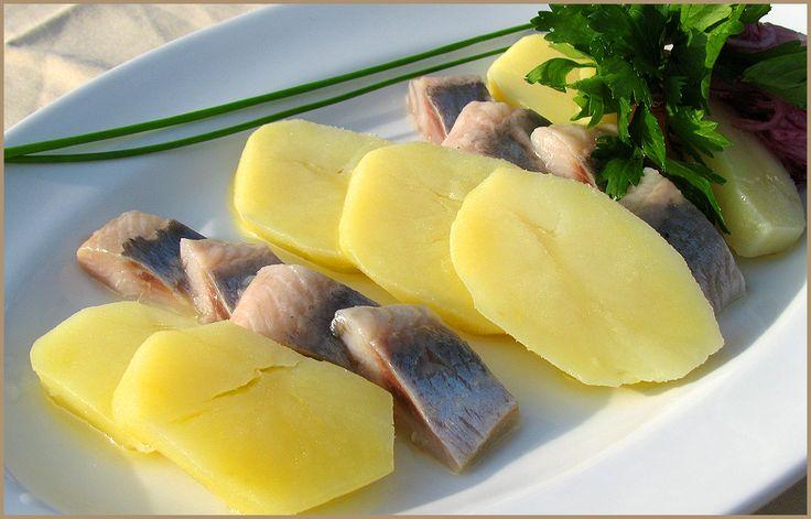 Копченая селедка с картошкой