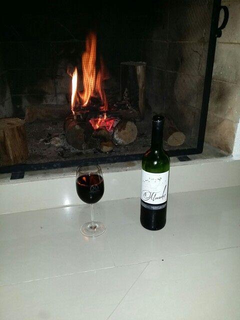 Vinho espanhol Almador Cabernet Sauvignon para esquentar neste inverno. www.chavesoliveira.com.br/ (11) 2155 0871