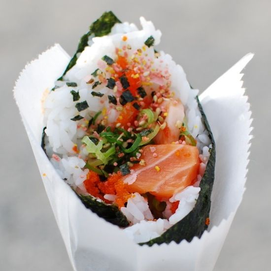 Temaki | Hand Rolled Spicy Salmon Sushi Cone #recipe #sushi