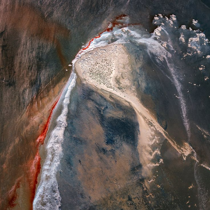 Lake Eyre from the air – in pictures