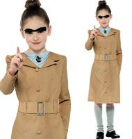 Dress up as Roald Dahl's Mrs Trunchbull for World Book Day or Dahlicious Dress Up Day with this great value fancy dress costume from Party Delights.