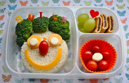 BentOnBetterLunches: Smile, it's lunch time!: Bento Lunches, Kids Lunchbox, Bento Boxes, Kids Lunches, For Kids, Boxes Ideas, Lunches Boxes, Lunches Ideas, Boxes Lunches