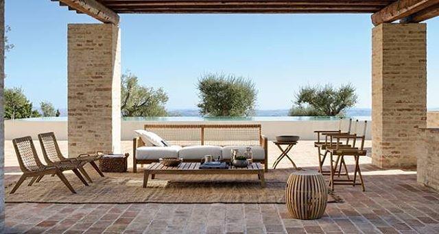Konforlu, yenilikçi, dinamik.. Ünlü İtalyan markası Unopiu' dış mekan mobilyaları ve aksesuarları ile sadece Cumba Selection mağazalarında! #ilhamımCUMBA #cumbaselection #unopiu #dışmekan #bahçe #design #interior http://turkrazzi.com/ipost/1515881433847323690/?code=BUJfiHyFFwq