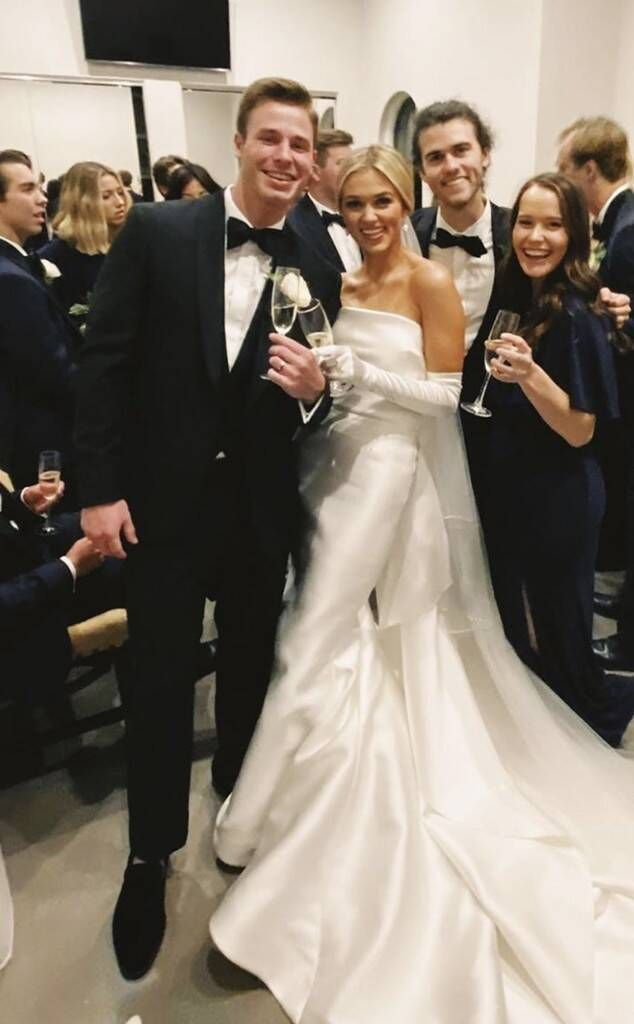 Sadie Robertson, Christian Huff  Timeless wedding dress