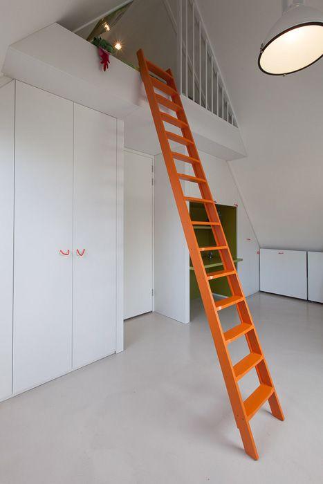 slaapvide | kastenwand | kasten onder schuine wand | bureau | maatwerk