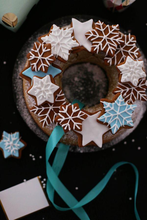 Fräulein Klein : Mandelkuchen im Weihnachtskranz-Look