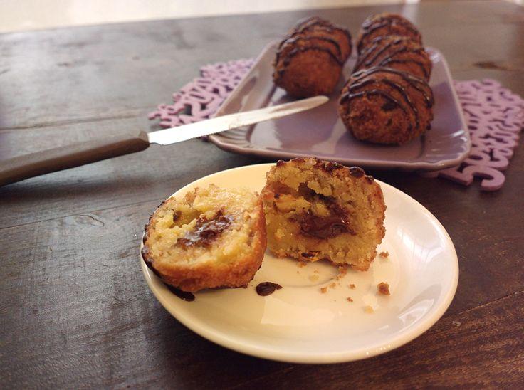 http://blog.giallozafferano.it/undolcealgiorno/deep-fried-cookie-dough-balls-biscotti-fritti/