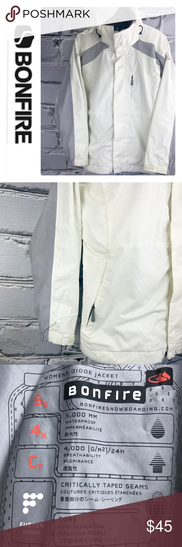 💕SALE💕Bonfire Fusion Ivory/Gray Snowboard Jacket Fabulous 💕Bonfire Fusion Ivory/Gray Snowboard Jacket with pockets Galore See ad for details in photo of all the benefits Great Condition Bonfire Jackets & Coats
