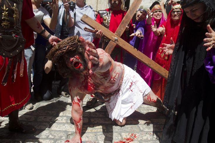 Easter / Good Friday in Jerusalem 29 March 2013. (  Ahmad Gharabli / AFP  )