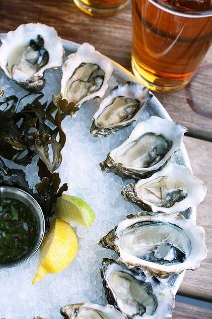 oysters: Beer, Seafood, Oysters Eating And Drinks, Dinners, Islands, Oysters Eatinganddrink, Summer Lunches, Delicious Food, Summer Snacks