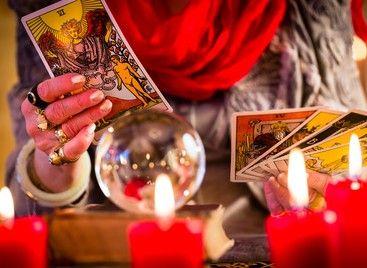 Kartenleger und Wahrsager scheint es sehr viele zu geben. Doch wie wird man einer und woran erkennt man gute ?  Eine Kollegin erzählt uns Ihren Weg.  #Vidensus #Kartenlegen #Kartenleger #Hellsehen #Wahrsagen