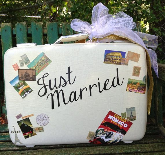 Wedding Card Holder - Vintage Suitcase via Etsy
