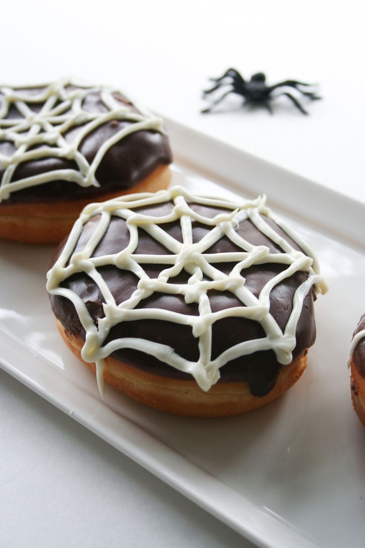 Spiderweb Donuts // Salty Canary