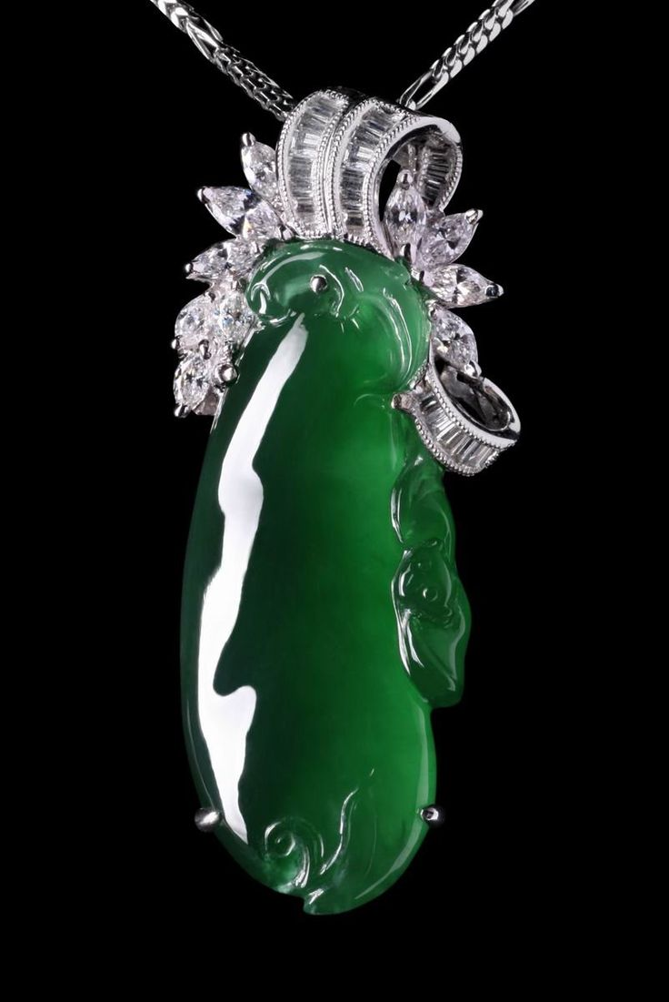 14 best images about most luxurious imperial green jadeite for Pictures of jade jewelry