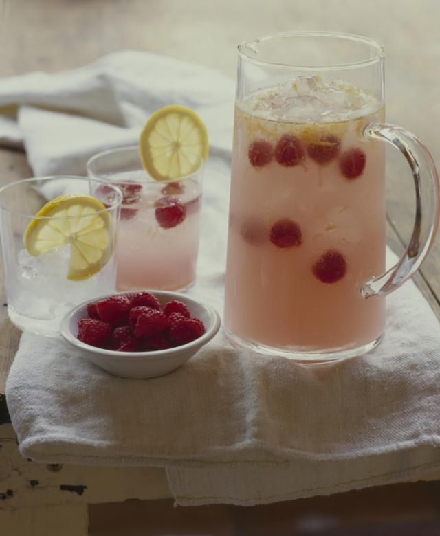 This Mexican-style Raspberry Tequila Sangria is as much a margarita as it is a sangria. This refreshing cocktail is great for pairing with spicy foods! (fun drinks tequila)