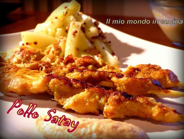 Pollo Satay con salsa di arachidi