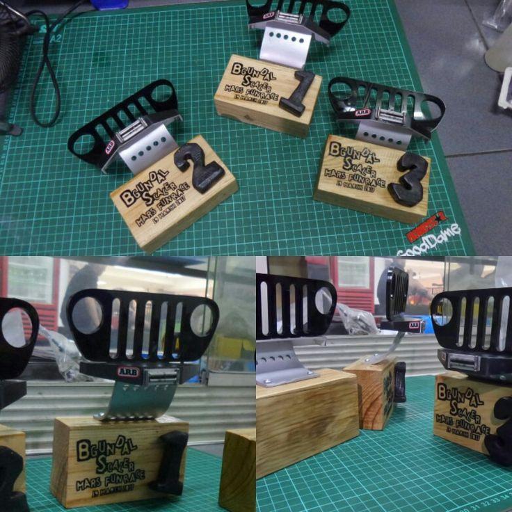 Throphy Jeep Grill Wood Custom  Handmade Idea Diy