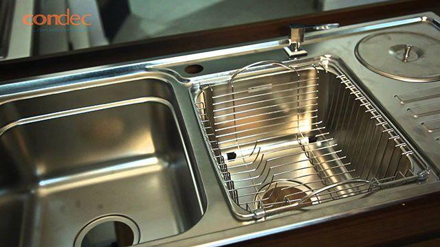 Lixeira de embutir em cozinha inox                                                                                                                                                                                 Mais