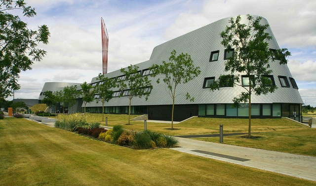 Nottingham Uni: Jubilee Campus: The Sir Colin Campbell Building  Designed by Ken Shuttleworth & Make Architects  © Jo Orr     ...(Experience the best #Art shows in     NYC on https://www.artexperiencenyc.com