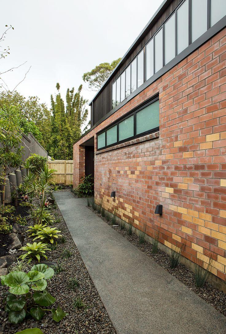 Box Living | HOUSE | FAULDER AVE