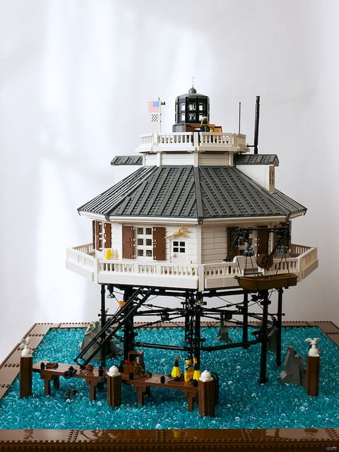 Whale Rock Lighthouse... man, that's cool! LEGO.