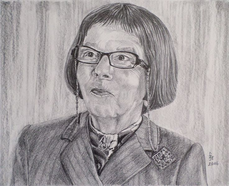 Linda Hunt portrait with graphite by Erika Székesvári https://www.facebook.com/ercziart