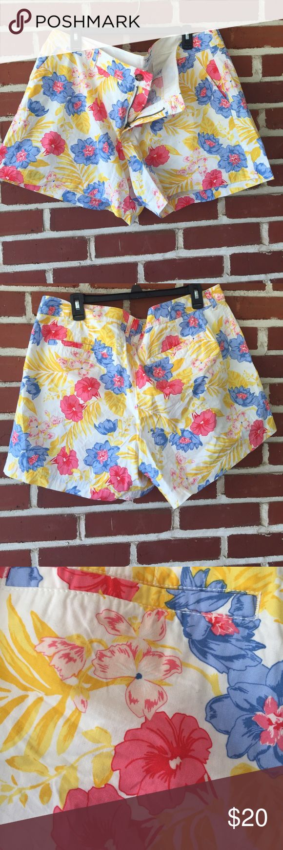 Floral Old Navy Shorts Women's Size 18 NWOT Never worn women's old Navy shorts. Size 18, like new. Old Navy Shorts