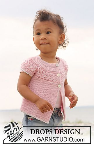 """b20-14 Top knitted from side to side in garter st and lace pattern in """"Baby Merino"""" by DROPS design - free"""