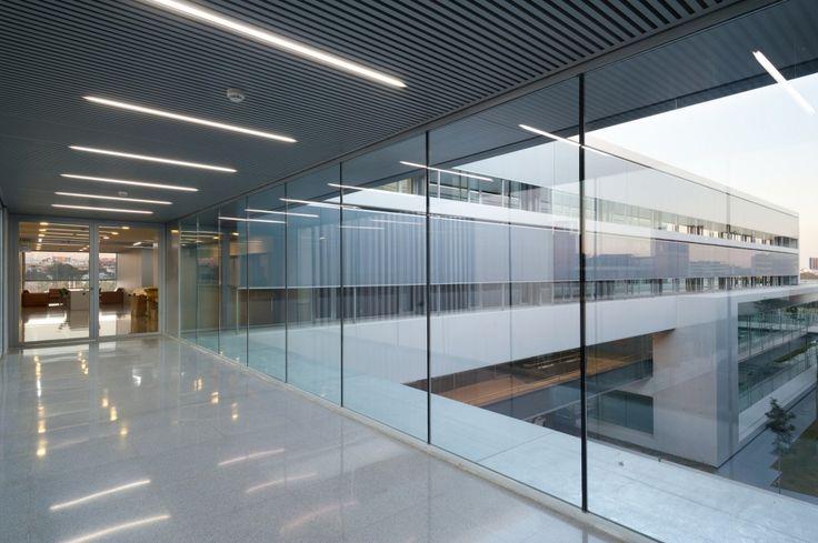 Technical Engineering School of the University of Valencia (ETSE) / Francisco Candel + Luis Carratalá