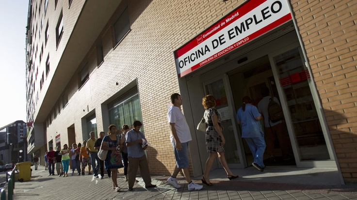 People enter a government-run employment office in Madrid on Friday. Spain's unemployment rate rose to 24.6 percent in the second quarter of this year, data from the National Statistics Institute showed.Eurozon Unemployed, 11 8 Percent, 24 6 Percent, Blog, 26 6 Percent, Unemployed Rate, Spain Unemployed, Eurozon Crisis, Employment Offices
