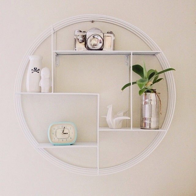 Clever Kmart fan @amandaviljoen gave our $29 black round wall shelf a coat of…