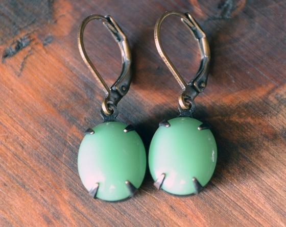 vintage minty glass earrings!