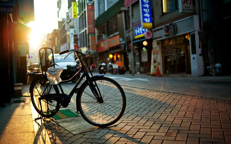 Vintage Bicycle Asian Street Cityscape Photography HD Wallpaper