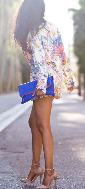 #street #style #spring #fashion #inspiration | Floral romper + pop of blue + pop of nude