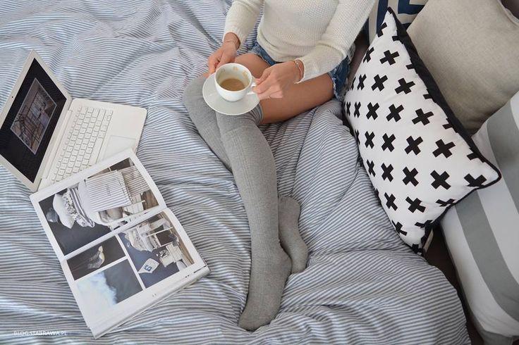 Na zdjęciu nasze piękne poduszki Belts Grey oraz Sharp Black-White/ The photo of our beautiful pillows Belts Sharp Grey and Black- White .