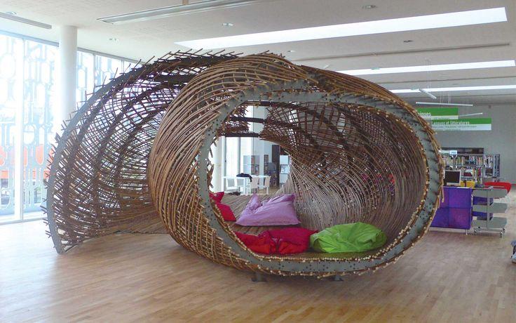 l 39 heure des contes mobilier pour la lecture en rotin la m diath que de foug res structure. Black Bedroom Furniture Sets. Home Design Ideas