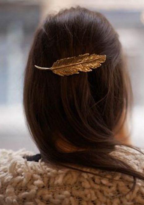feather hair clip.