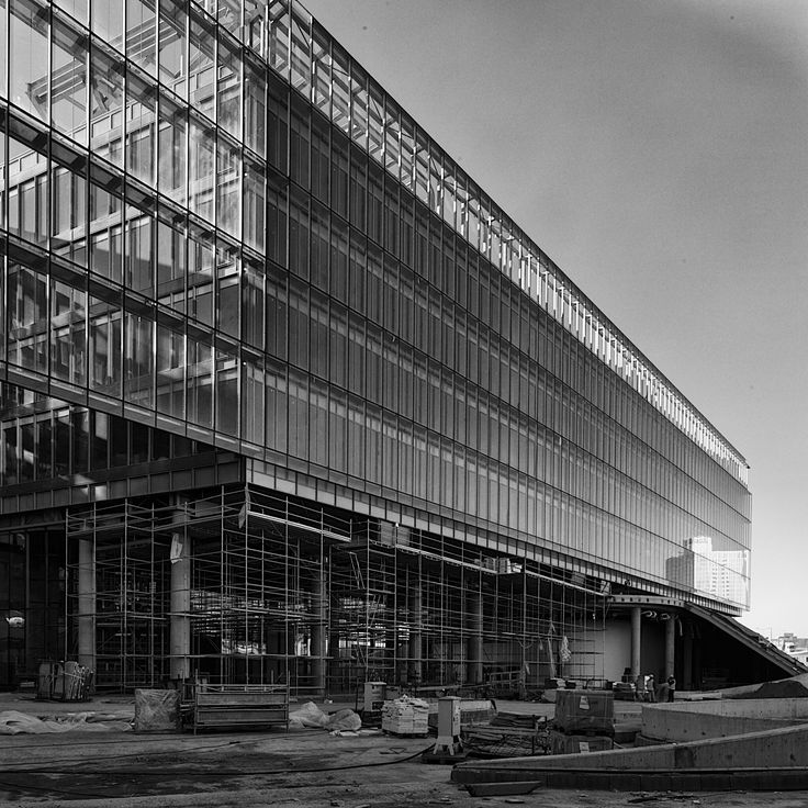Double skin façade of Garanti Bank Technology Campus during construction (Photo: Cemal Emden) --- Garanti Bankası Teknoloji Kampüsü çift cephe inşaat aşamasından (Fotoğraf: Cemal Emden)