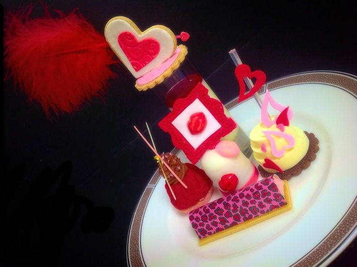 Indulge in the #ValentinesDay Afternoon Tea at @langhamlondon for a spot of luxury in #RegentStreet.