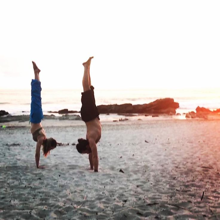 Sunset handstands on the beach with Carmen Aguilar @cyogalab.  When teaching Carmen often finishes her lesson by invoking gratitude for our lineage.  She says Give thanks to all the yogis who came before us allowing us to be where we are today. In Japan those who have gone before us are called Sensei and Carmen is one of mine.  While asana practice is physical it is transmitted orally with yogis of every generation preserving those aspects and threads which served them on their path to…