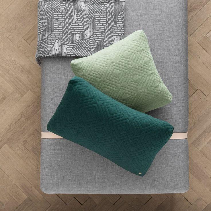 12 best kissen im sch ner wohen shop images on pinterest beds cushions and designer hats. Black Bedroom Furniture Sets. Home Design Ideas